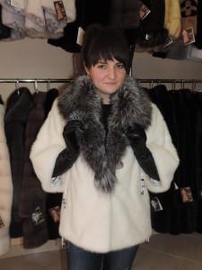 Норка канадка, світла курточка із коміром чорнобурка та 3/4 рукав