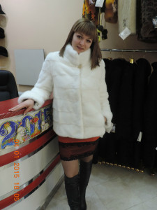 Норка канадка, білосніжна поперечка стійка, відчіпний рукав курточка