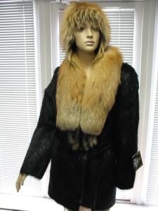 куртка чорна нутрія з коміром лисички