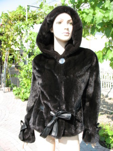 курточка норкова з поясом