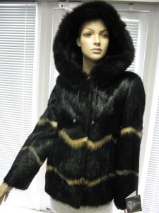 нутрієва куртка з капішоном комбінована