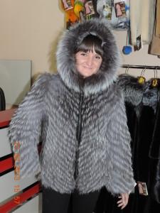 чорнобурка куртка з капішоном